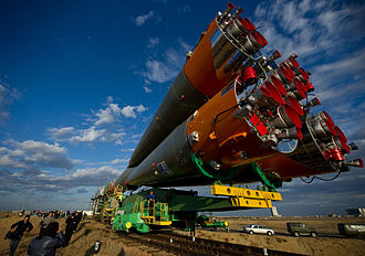 Expedition 25 Soyuz Rolls to the Pad.jpg