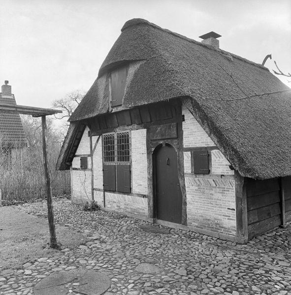 File exterieur huis bij molen vledder 20291694 wikimedia commons - Huis exterieur picture ...