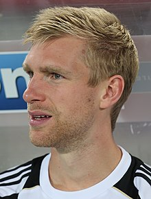 FIFA WC-qualification 2014 - Austria vs. Germany 2012-09-11 - Per Mertesacker 01 (cropped).JPG