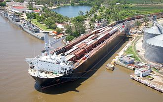 CG Railway - MV Bali Sea loads up with Ferrosur trains in Coatzacoalcos