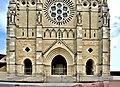 Façade de la cathédrale de Moulins.jpg