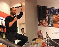 Fabio Volo alla libreria Feltrinelli di Roma nel 2008 - 02.jpg