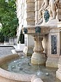 Fontaine hotel Cail Paris 8 water.jpg