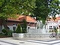 Fontanna na Placu Wolności - panoramio (1).jpg