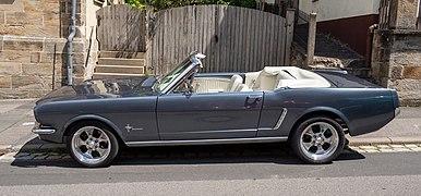 Ford Mustang convertible 5312550.jpg