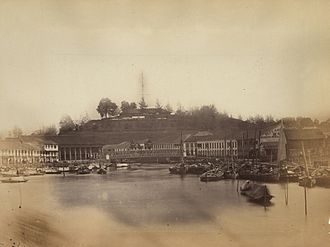 Fort Canning Hill - Fort Canning viewed from the Singapore River at the end of the 19th century