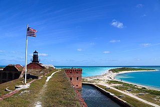 https://commons.wikimedia.org/wiki/File%3AFort_Jefferson%2C_Dry_Tortugas_National_Park_-_Flickr_-_Joe_Parks.jpg