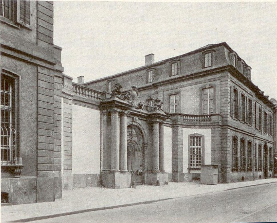Frankfurt Palais Thurn und Taxis Portal