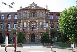 Fresnes Town Hall 01.jpg