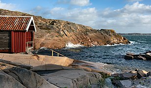 Gamlestan fishing hut and harbor at Vikarvet Museum 3.jpg