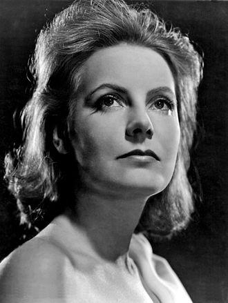 Clarence Bull - Image: Garbo Ninotchka Clarence Bull