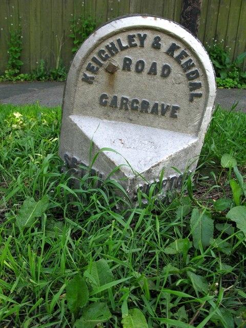 Gargrave Milepost - geograph.org.uk - 1331010