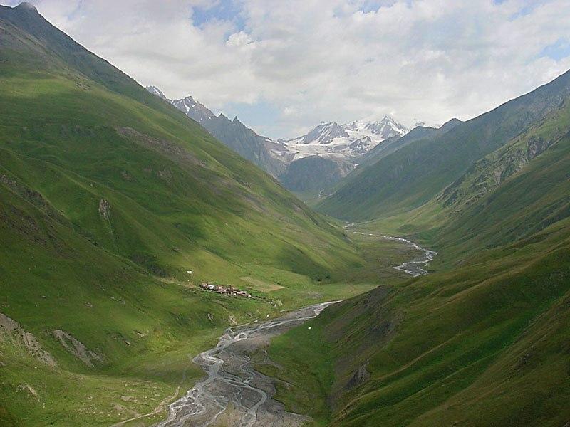 Georgia, Khevi, Suatisi Valley - Village Suatisi