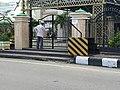 Gerbang Masjid Agung Baiturrahim Gorontalo Ditutup.jpg