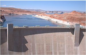 Environmental science - Environmental science examines the effects of humans on nature (Glen Canyon Dam in the U.S.)
