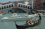 Gondola-Rialto-20050525-024.jpg