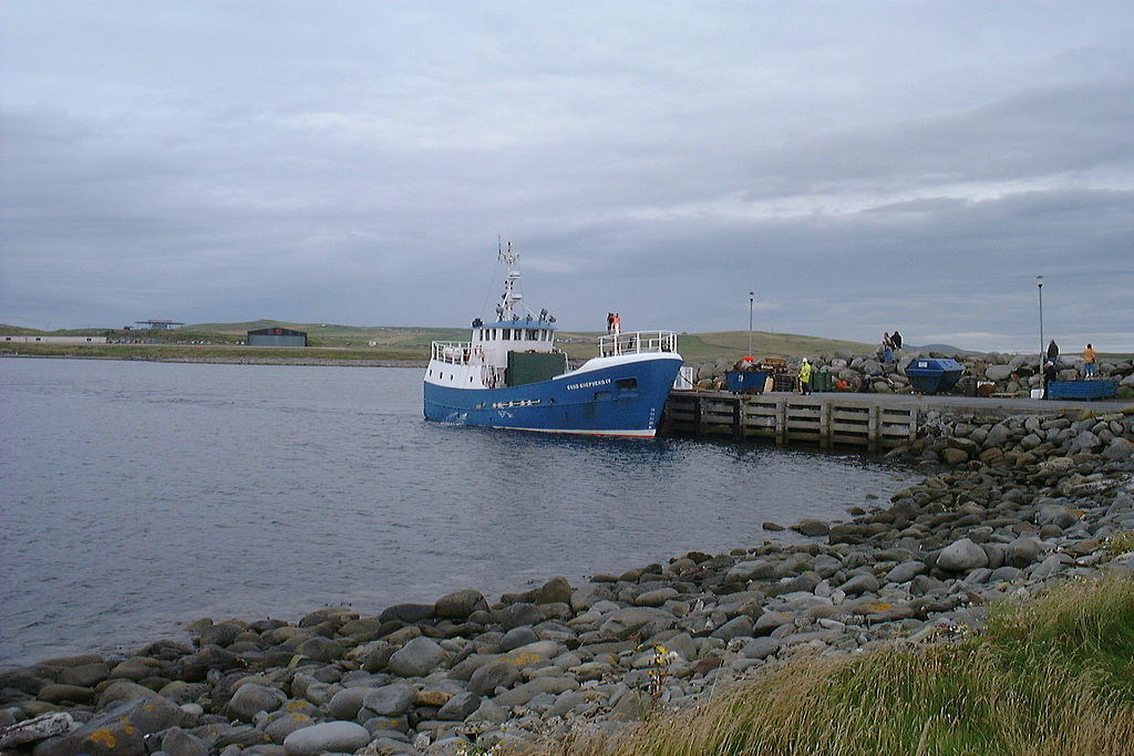 File:Good Shepherd IV at Grutness Harbour.jpg - Wikimedia Commons