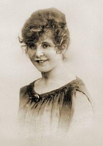 Grace Marguerite Hay Drummond-Hay (crop; restored).jpg