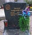 Grave Ehrenfreund Heinz.jpg