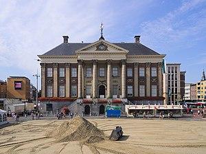 Jacob Otten Husly - Image: Groningen stadhuis 1112