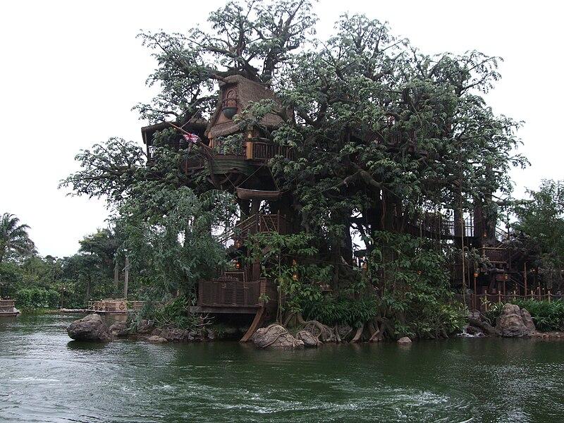 File:HKDL TARZAN'S TREEHOUSE.jpg
