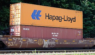 Hapag-Lloyd - Hapag-Lloyd 40' container  stacked on intermodal train