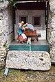Hellbrunn water automat grinderer 01.jpg