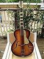 Hofner 1950s 457 acoustic.jpg