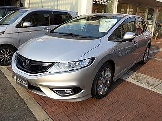 Honda Jade - Image: Honda JADE HYBRID X (FR4) front