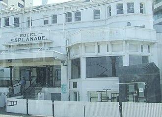 Paul Kelly (Australian musician) - Image: Hotel Esplanade 2009