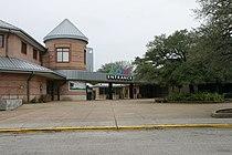 Houston Zoo entrance.jpg
