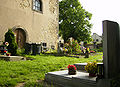 Hrbitov u kostela sv. Havla ve Vykani.jpg