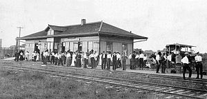 Humansville, Missouri - A crowd waiting to see and greet President Taft, circa 1910
