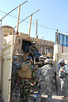 Iraqi security forces, Paratroopers helping in al-Fadhil DVIDS162660.jpg