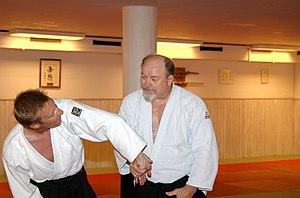 Wristlock - Rotational wristlock by an Aikido instructor