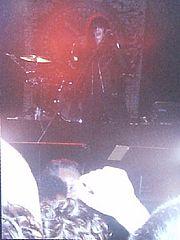 Joey Ramone in concerto con la band a Porto Alegre nel 1991