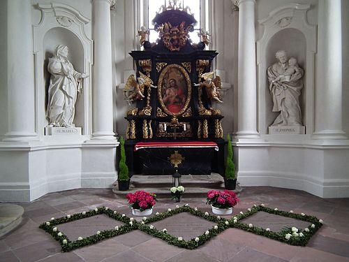 Johanneskapelle mit Johannesaltar Dom Fulda Juni 2012.JPG