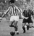 Juventus' Omar Sívori and Inter Milan's Mauro Bicicli (ca. 1950s–60s).jpg