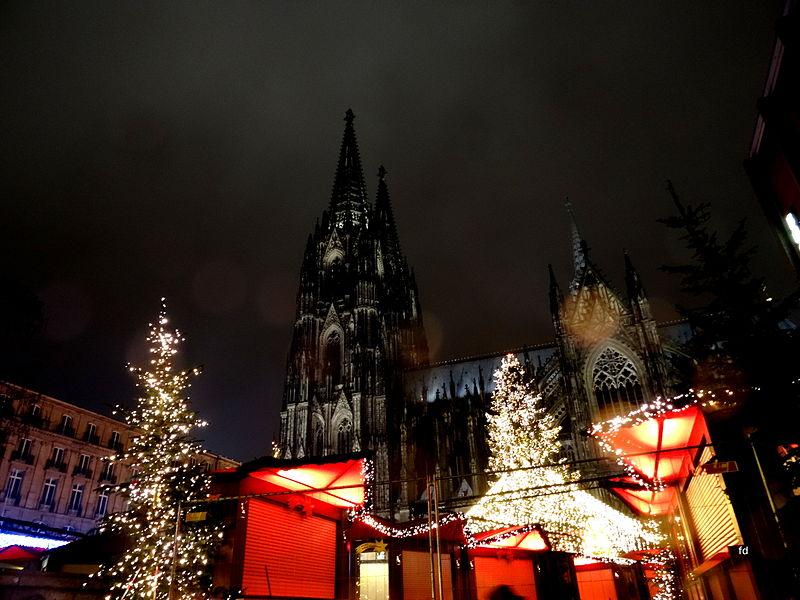 File:Köln Weihnachten am Dom 3.JPG