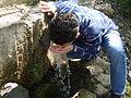 Köydeki doğal kaynak sularından bir görüntü.JPG