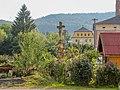Kříž v Rudolticích u Sobotína v zahradě domu (Q72739144) 02.jpg