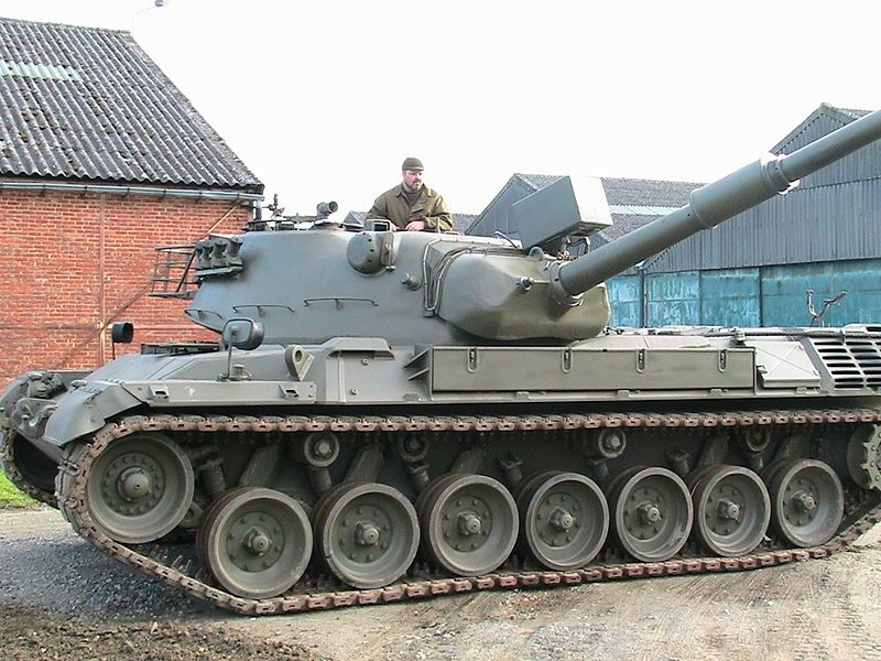File:Kampfpanzer Leopard.jpg