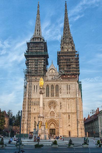 File:Kathedrale - Zagreb - 2010.jpg