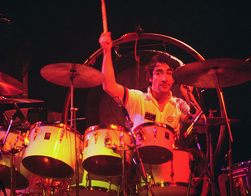 Keith Moon of The Who with a mixture of concert toms and conventional toms, 1975 Keith Moon 4 - The Who - 1975.jpg