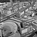 Kelet-Berlin, kilátás a TV toronyból, előtérben az Alexanderplatz, mögötte a Karl Marx Allee. Fortepan 60028.jpg