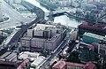Kelet-Berlin, kilátás a TV toronyból a Jannowitzbrücke S-Bahn állomás felé (a hídtól balra). Fortepan 89995.jpg