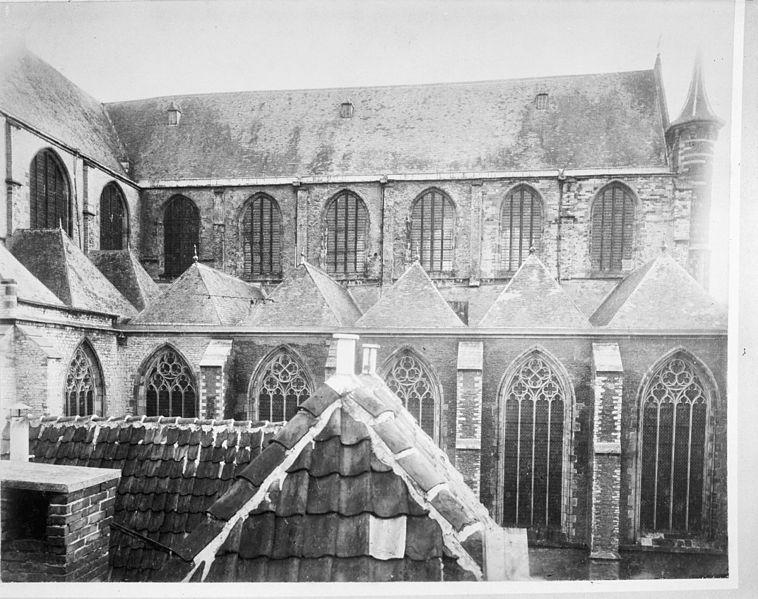 File:Kerk noord-zijde schip - Leiden - 20134062 - RCE.jpg