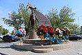 Khiuaz Dospanova Monument in Atyrau.jpg