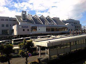 Gakuen-mae Station (Nara) - Gakuen-mae, September 2007