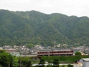 Shigi Line - A Shigi Line train between Kawachi-Yamamoto and Hattorigawa in May 2007
